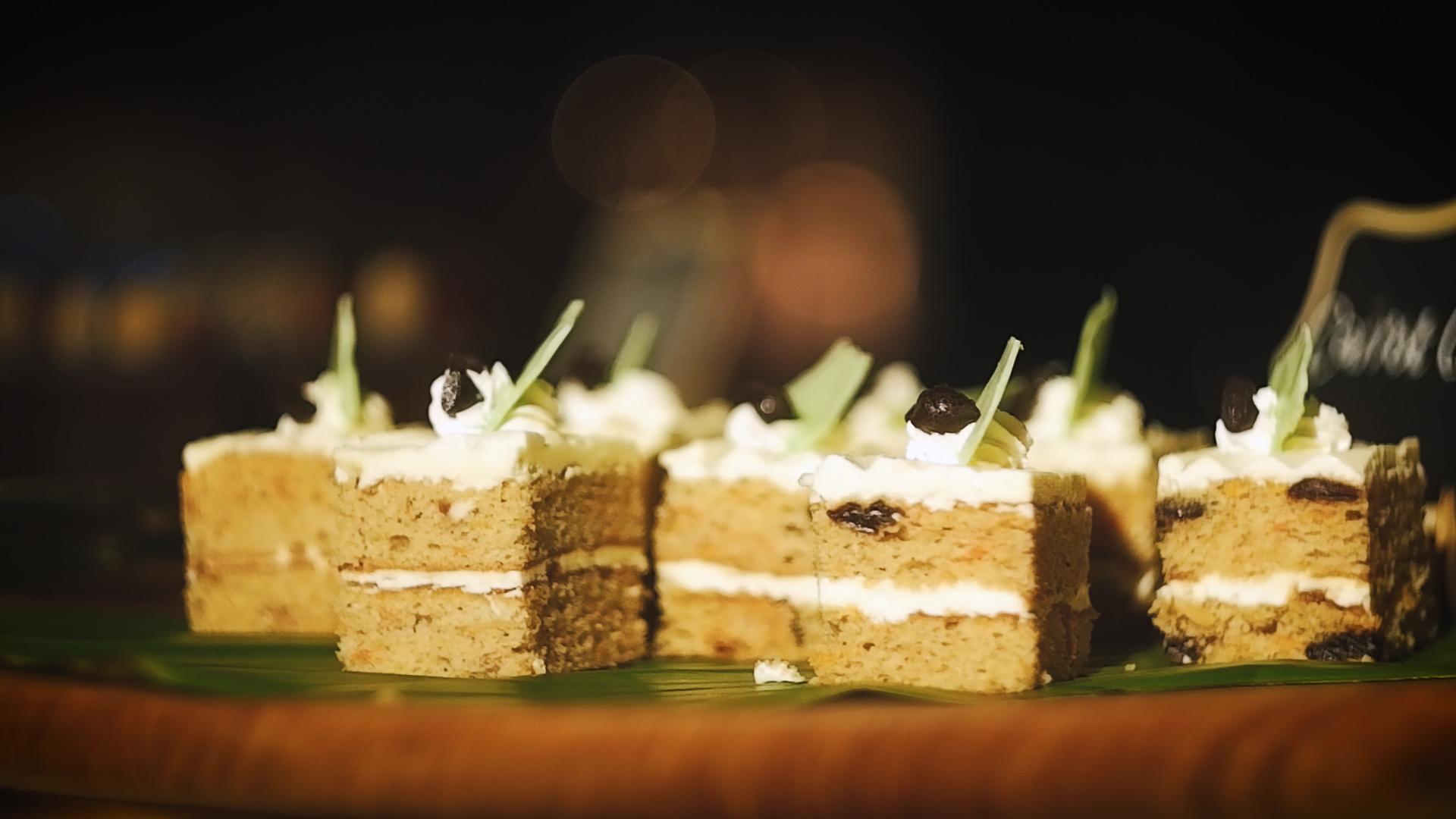 Aneka hidangan Jajan Senja di Fraya Restaurant Aloft South Jakarta. (Alidrian Fahwi/Wartapenanews.com)